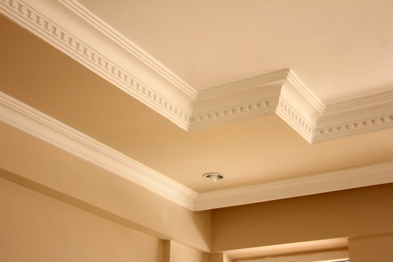4 Tips for Choosing Crown Molding